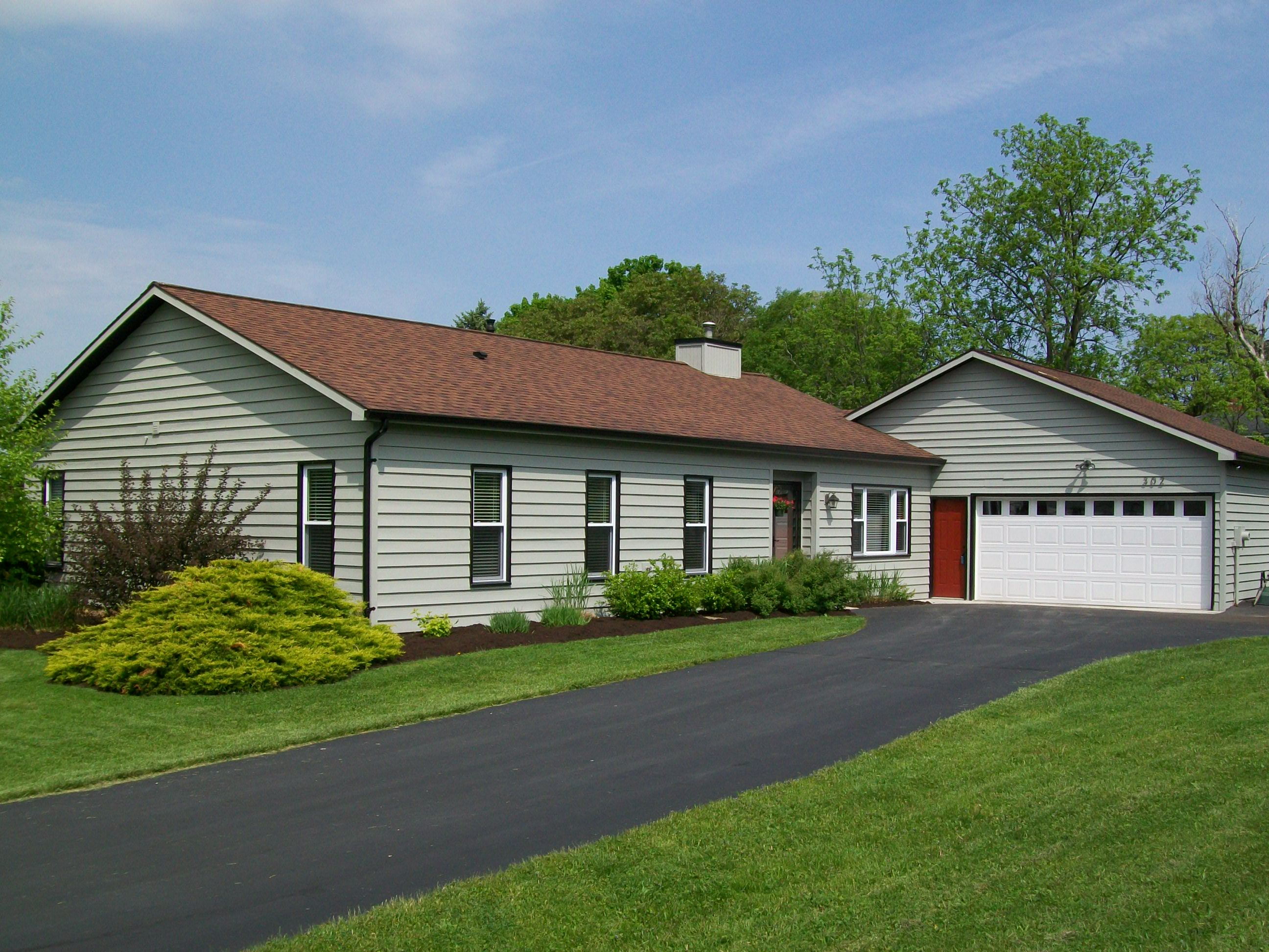 at for new massachusetts bluffs ny cottages cabins in sale today houses england travel mv oak gingerbread campground